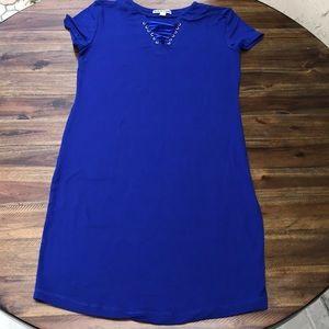 Blue shortsleeved bodycon dress